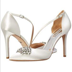 Badgley Mischka Palma White D'Orsay Heel 5.5